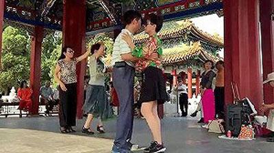china102801.jpg