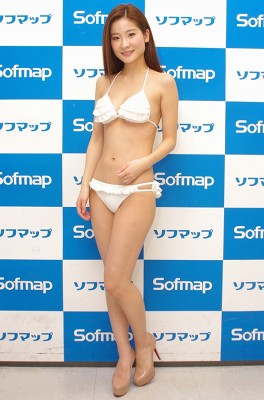 eguchiaiko040301.jpg