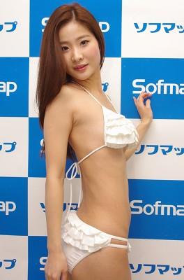 eguchiaiko040303.jpg