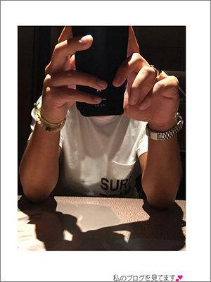 デキ再婚疑惑の加護亜依、夫の写真初公開で「ロン毛のサーファー」「キムタクみたい」の声の画像1