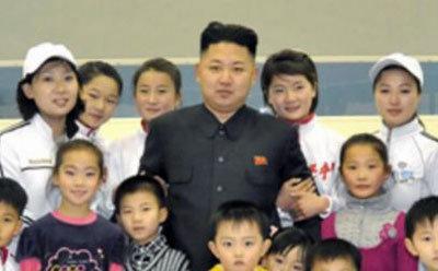 文春の民進党・前原誠司ハニートラップ疑惑は空砲だった!?  北朝鮮マニアから「そんなの普通だぞ!」の声の画像2