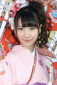 kashiwagiyuki-kimono2000623.jpg