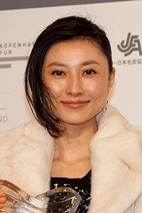 恋愛禁止令の弊害か……菊川怜夫の婚外子報道に、アノ後輩女優が高笑い!?の画像1