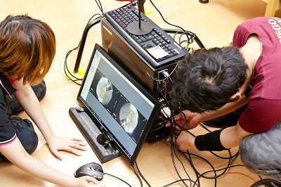 佐倉絆がアダルトVRの撮影現場に潜入! 思わず「わたしもセックスしたい!」の画像4