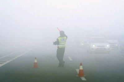 「PM2.5に効く神薬!?」中国人観光客が小林製薬のアレを爆買中!の画像1