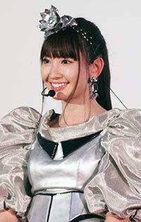 元AKB48・小嶋陽菜がファッションサイト立ち上げも……ハワイで見せた腹肉に驚愕!?の画像1
