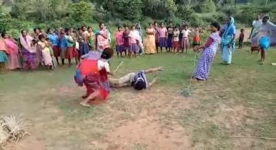 多発する性犯罪への怒りが爆発! インドで8歳女児を強姦・殺害した容疑者を、女らが無裁判処刑の画像4