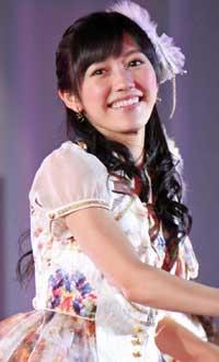 嫌いだから呼ばなかった!? AKB48卒業生・小森美果の結婚式に指原莉乃ら出席も、渡辺麻友不在で非難殺到!!の画像1