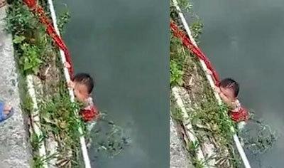 全裸の子どもを縄でつないで、市中引き回し……実の親による壮絶虐待映像が相次いで流出中の画像2