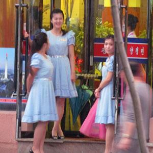 消滅か、セクキャバ化か――国連の新制裁発令で、北朝鮮レストランが大ピンチ!の画像2