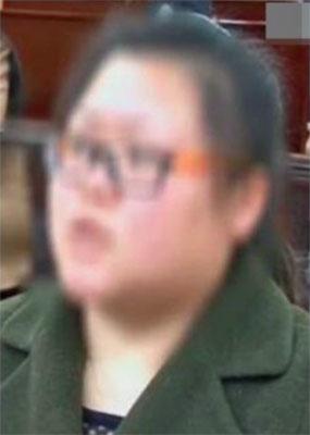 イケメン配信者に横領した5,000万円を送金! 動画配信に翻弄される女たちの画像1