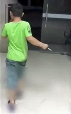 アウトローすぎる9歳児! 大型バスを窃盗・40分間ドライブした上、警察署でも堂々喫煙の画像2