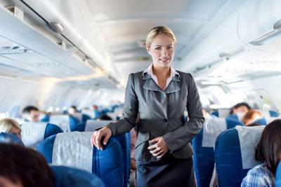 撮影は刑事罰でも、機内セックスにはお咎めなし!? 独パイロットが飛行中の機内で淫乱スッチーを盗撮の画像1