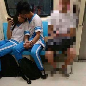 電車内での乳舐めに、校舎ベランダや屋上でフェラ! 台湾中高生の性欲が、所構わず暴走中!の画像1