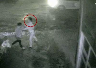 タクシー運転手にフルボッコの泥酔青年、車3台にひき逃げされて死亡の画像1