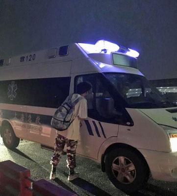 物流会社の運転手が、こっそり副業!? 中国版「Uber」で配車依頼したら救急車が登場!の画像1