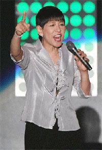 「立っているのもつらい」67歳を迎えた和田アキ子、腰痛悪化で『紅白』復帰への遠い道の画像1